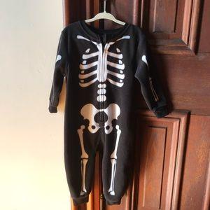 One-piece skeleton fleece outfit
